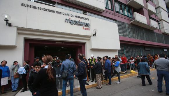 Migraciones no atenderá este fin de semana para quienes deseen tramitar su pasaporte electrónico.  (El Comercio)