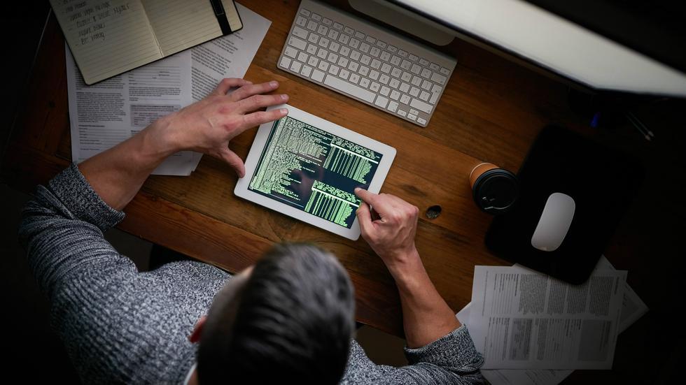Foto 5 | Emprendedores empoderados. La tecnología solo ha automatizado las tareas rutinarias. El resto aún es exclusivo de los humanos. Sin embargo, la cultura autodidacta de la educación perpetua ha generado un nicho de emprendedores que buscará su propia forma de hacer negocio. Con tan buenos trabajadores en el país, las fronteras se restringirán para evitar fugas de talentos. Bienvenidos al mundo startup. (Foto: iStock)