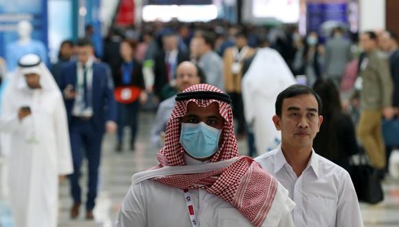 Los compradores que solían acudir a los centros comerciales de Dubái y que estaban interesados en algunos bienes de alta gama ya no pueden realizar sus compras tras el cierre de los establecimientos desde este miércoles, ni probablemente tengan ganas de hacerlo. (Foto: Reuters)