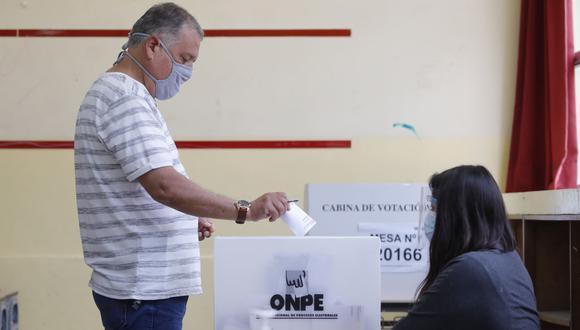 La ONPE elaboró un protocolo sanitario para evitar contagios del covid-19 durante el día de las elecciones generales. Foto: Andina.