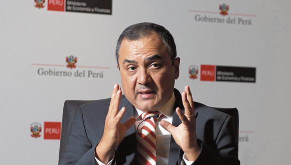 Ministro de Economía, Carlos Oliva, comentó que el Gobierno creó un nuevo portal (concdecompetitividad.com) para dar a conocer el Plan de Competitividad. (Foto: Juan Ponce )