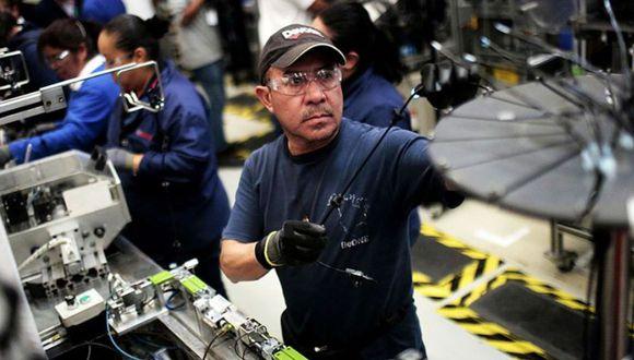 El gobierno mexicano clasificó a las empresas automotrices, mineras y constructoras como actividades esenciales, y les dio luz verde para reiniciar operaciones en México desde fines de mayo. (Foto: AFP)