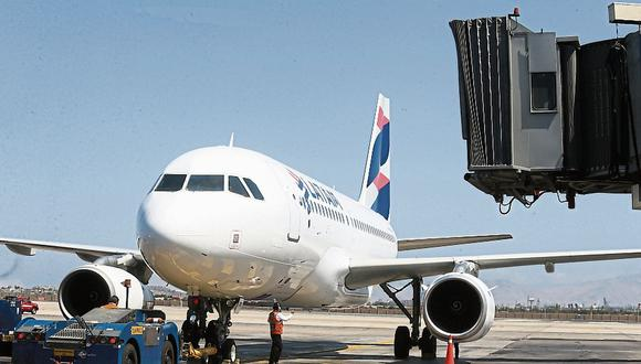 Latam señaló que el próximo mes operará algunos vuelos domésticos en Chile y Brasil. (Foto: GEC)