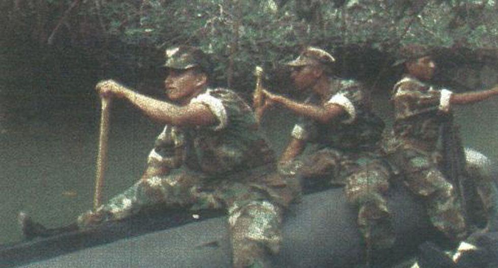 """Las Fuerzas Armadas de nuestro país vigilan el río Cenepa. Por otro lado, ayer en horas de la mañana el BAP """"Grau"""" partió con dirección a Tumbes."""