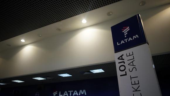 Latam dijo a finales de abril que estimaba una recuperación más larga y lenta de lo esperado tras la crisis sanitaria, por lo que ha diferido inversiones y redefinido el tamaño de sus operaciones. (Foto: AFP)