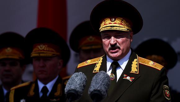 Lukashenko fue reelegido por quinta vez en agosto del 2020, en unos comicios considerados fraudulentos por los países occidentales. (Foto: AFP)