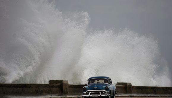El huracán Michael pasó por Cuba y se acerca a Florida, registrando un aumento constante en su intensidad. (Foto: AP)