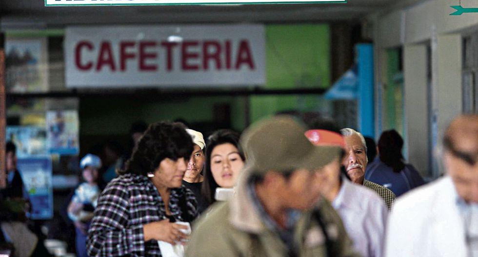 Aseguramiento. El Gobierno apuesta por que los peruanos no dejen de tener cobertura de salud, incluso si cambian de aseguradora.  (Foto: GEC)