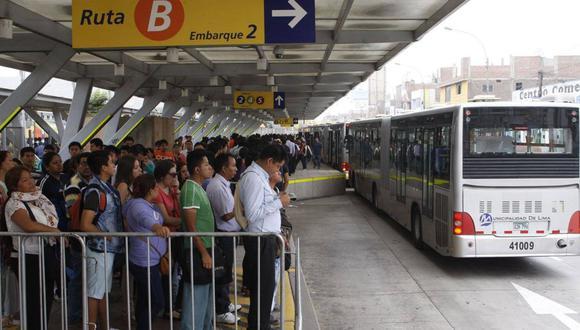 """""""Se ven paraderos del Metropolitano atiborrados de gente que está pugnando por abordar las unidades"""", dijo Crisólogo Cáceres, presidente de la Aspec. (Foto: Aspec)"""