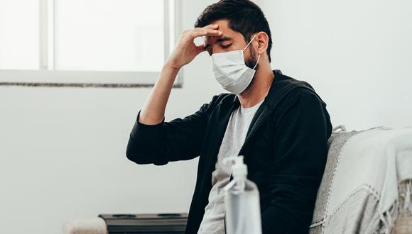 En los cuatro casos, la primera infección se produjo con síntomas leves, mientras que en el segundo contagio, los síntomas fueron más frecuentes y más fuertes, pero no requirieron hospitalización.