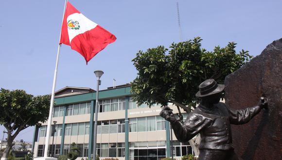 Raúl García Carpio presentó su dimisión al Ministerio de Energía y Minas. (Foto: MEM)