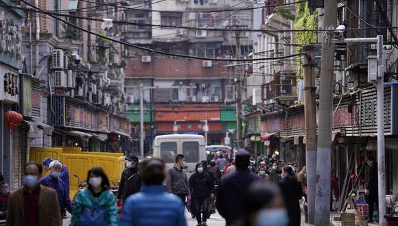 China se negó a proporcionar datos sin procesar sobre los primeros casos de COVID-19 a un equipo liderado por la OMS que investiga los orígenes de la pandemia, dijo Dominic Dwyer, uno de los investigadores del equipo el mes pasado. REUTERS/Stringer