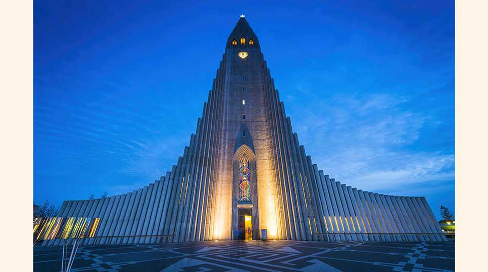 1. Catedral Hallgrímskirkja en Reikiavik,   Arquitecto: Guðjón Samúelsson  terminada en 1986