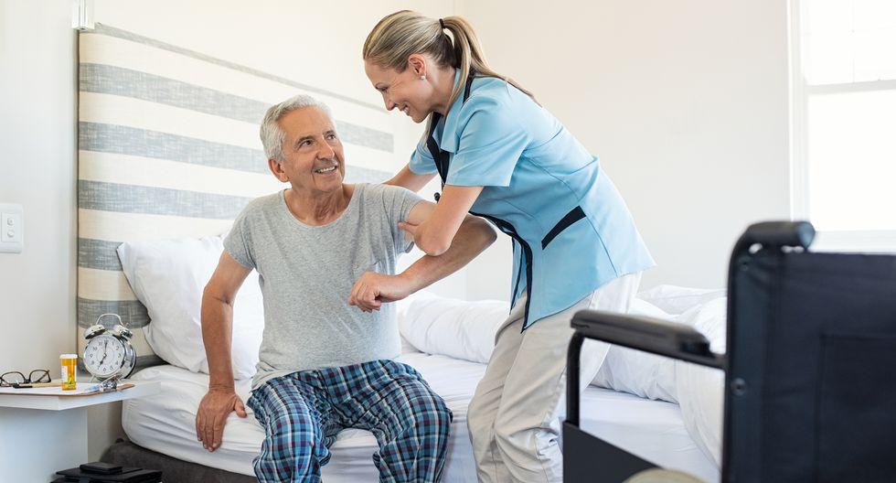 FOTO 6 |6. Servicios para personas mayores (Cuidado de personas mayores a domicilio/ Centro recreativo para adultos de edad avanzada) (Foto: iStock)