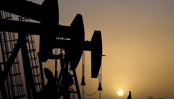 Las refinerías de todo el mundo se han visto obligadas a detener sus operaciones por una abrupta caída de la demanda que ha obligado a operadores y analistas a rebajar sus previsiones. (Foto: Reuters)