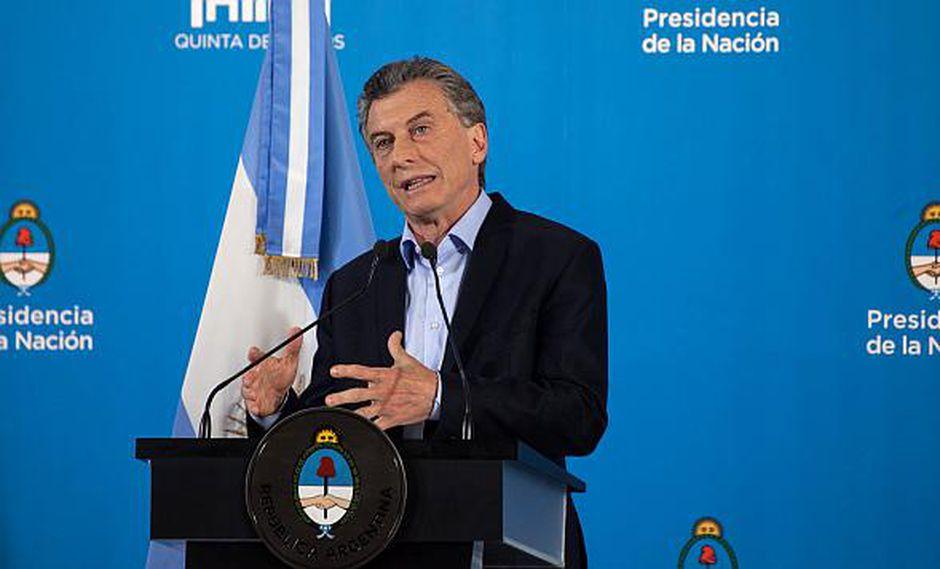 """El presidente Macri dijo que hay que estar """"tranquilos"""" ante la nueva caída del peso argentino frente al dólar. (Foto: AFP)"""