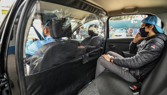 Uber ha respondido compitiendo para unirse a las filas de taxis de América Latina, anunciando un servicio en Chile en junio, después de que los confinamientos detuvieran a sus conductores allí, así como planes para lanzar taxis en Sao Paulo, el centro financiero de Brasil.