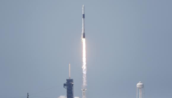 Un cohete Falcon 9 de SpaceX despegó este sábado de la plataforma de lanzamiento 40 de la base de la Fuerza Aérea de Estados Unidos en Cabo Cañaveral (costa este de Florida). (Foto: EFE)