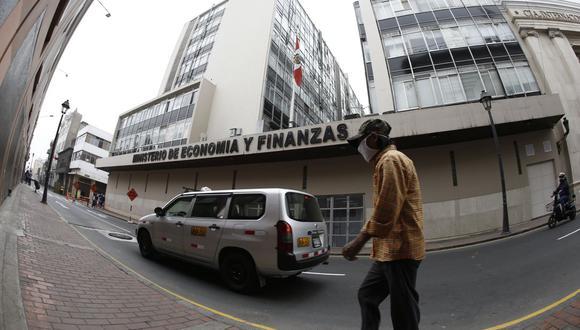 El director general del Tesoro Público del MEF suscribirá los documentos que se requieren para implementar la citada operación. (Foto: Francisco Neyra / GEC)
