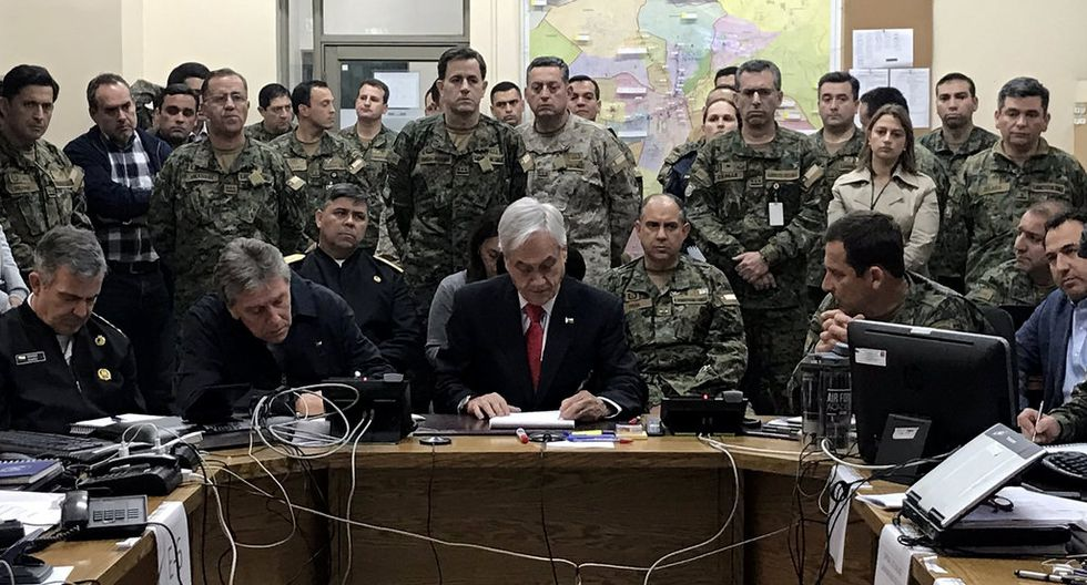 """""""Hay razones por las que los militares se convierten en una herramienta política útil"""", comenta Matthew Taylor, especialista en América Latina de American University. """"Tienen una legitimidad bastante perdurable mientras que otras instituciones han tenido una disminución de la aprobación""""."""