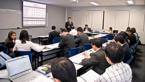 Participar en concurso de becas es una de las opciones para que pueda financiar una maestría o un doctorado. (Foto: USI)