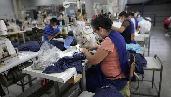 Según el MTPE, las solicitudes de suspensión perfecta de labores fueron presentadas en un 97% por unidades económicas de hasta 100 trabajadores. (Foto: GEC)