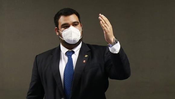 Guillermo Aliaga renunció a la Subcomisión de Acusaciones Constitucionales tras denuncia de reportaje periodístico. (Foto: Congreso)