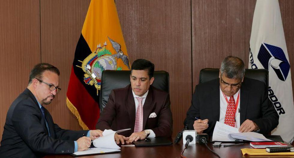 Directivos de Petroecuador suscriben nuevo contrato con sus similares de Petroperú que genera grandes beneficios económicos a los dos países.