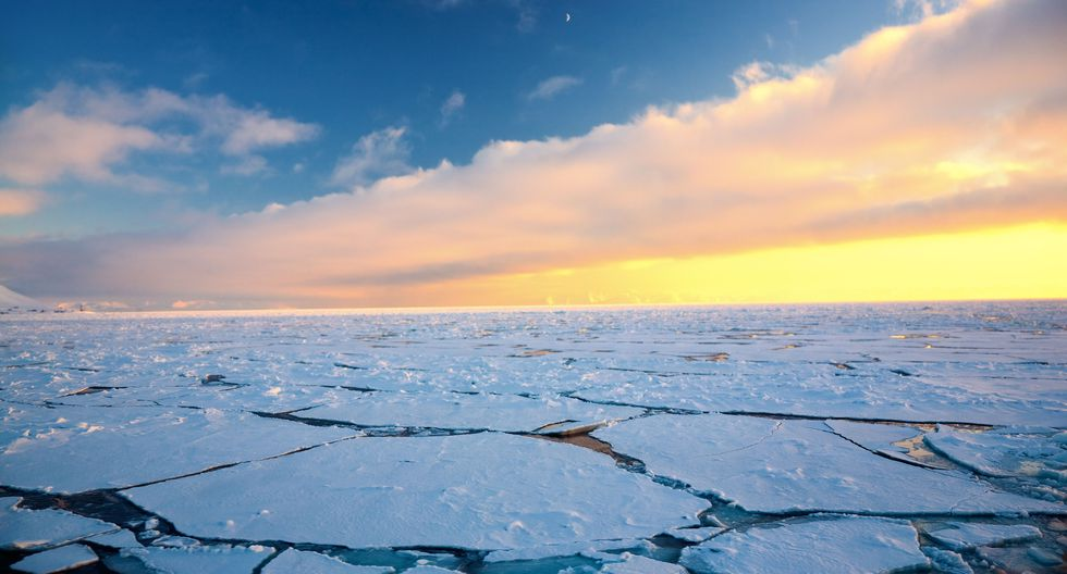 En la Tierra, el calentamiento global no ocurre uniformemente. Desde la década de 1990, en el Polo Norte aumenta el doble de rápido. (Foto: Shutterstock)