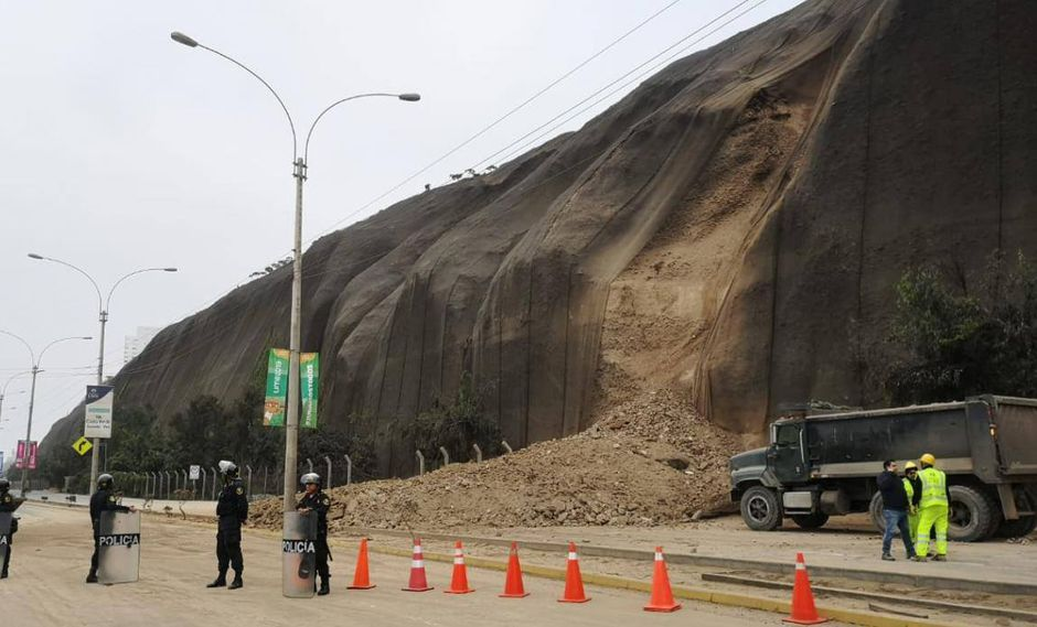El 8 de agosto un deslizamiento de tierra provocó alarma en los vecinos de Magdalena del Mar y de las autoridades. (Foto: GEC)