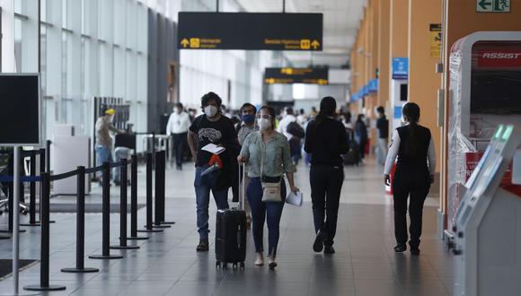 En la víspera, la ministra de Salud, Pilar Mazzetti, había adelantado que en 15 días se reiniciarían los vuelos internacionales de más de 8 horas. (Foto: Hugo Perez / GEC)