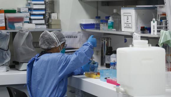 Los laboratorios farmacéuticos nacionales no tiene experiencia previa en la elaboración de reactivos para la detección de las distintas variedades de coronavirus. (Foto: GEC)