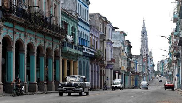 Western Union, que lidera el mercado de remesas en Cuba, opera a través de Fincimex, la entidad financiera que gestiona el dinero enviado a la isla y que es una filial de Cimex, subsidiaria a su vez de GAESA, el conglomerado empresarial militar más poderoso de Cuba. (Foto: EFE).