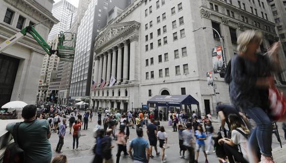 Goldman ahora ve además que la tasa de desempleo aumentará a 15% a mediados de año en comparación con su expectativa anterior de un 9%. (Foto: AP)