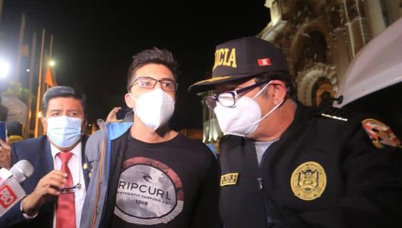 Carlos Ezeta cuestionó que se haya pedido hasta 12 años de cárcel para él por agredir a legislador Ricardo Burga. (Foto: César Von Bancels/GEC)