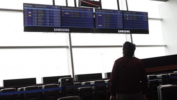 Entre los lineamientos sanitarios impuestos por el Ministerio de Transportes y Comunicaciones para prevenir el contagio dentro de los vuelos, la prueba molecular con resultado negativo y con vigencia máxima de 72 horas es, a mi parecer, la más importante. (Foto: Leandro Britto/ GEC)