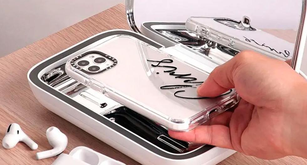 FOTO 1 | Cápsula UV para sanitizar llaves y celular.