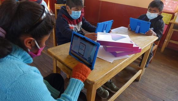 Uno de los principales problemas, durante las clases virtuales, en los que se han visto envueltos los escolares, sobre todo los del colegios nacionales, es en la conectividad.  (Foto: Minedu)