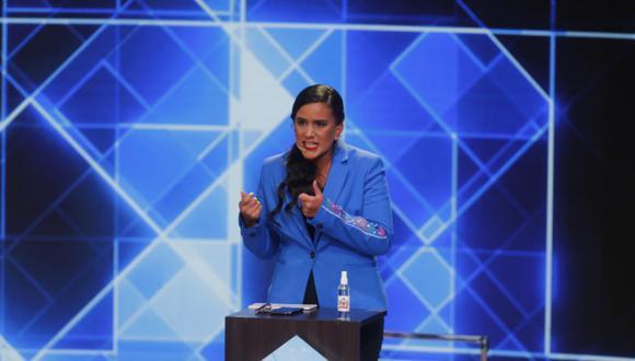 """""""No vamos a permitir que la mentira frene el cambio que nuestro país necesita"""", indicó Mendoza. (Foto: GEC)."""