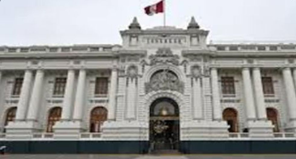 23 de mayo del 2019.- Del Solar no evalúa cuestión de confianza, pero Zeballos no la descarta. Presidente del Congreso plantea al Ejecutivo presentar otro proyecto sobre cambio a inmunidad parlamentaria.