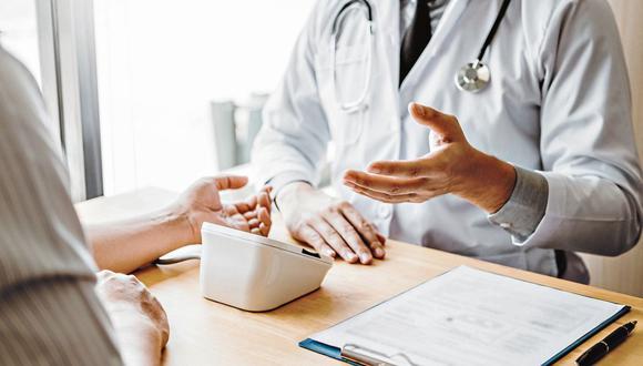 Ipsos Perú también da cuenta de que un 58% de los hogares peruanos reconoció haber tenido problemas de salud el último año, según sus proyecciones con datos del INEI. (Foto: iStock)