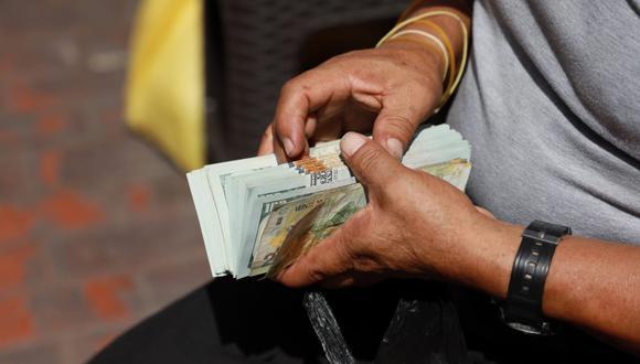 El dólar se vendía a S/ 3.80 en el mercado paralelo este viernes. (Foto: GEC)