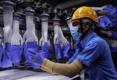 Malasia cierra por COVID-19 28 fábricas del mayor fabricante mundial de guantes