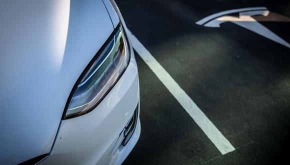 La compañía vende sus vehículos eléctricos Model 3 en China y tiene previsto comenzar a entregar los utilitarios deportivos Model Y en el 2021. Foto: Angel Garcia/Bloomberg