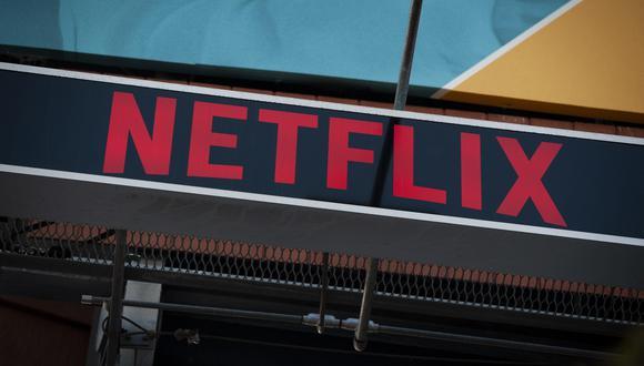 La tasa de crecimiento de suscriptores mayor a lo esperado, junto con menores costos asociados a una interrupción en la producción de programas, tiene a Netflix en camino a registrar un flujo de efectivo libre potencialmente positivo para todo el año. (Foto: EFE)