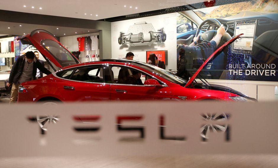 Musk amenazó con retirar a Tesla de la bolsa hace un mes. (Foto: Reuters)