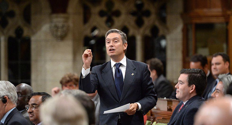 """""""Hemos asegurado la autorización para que Air Canada opere tres vuelos esta semana"""", señaló en Twitter Francois-Philippe Champagne."""