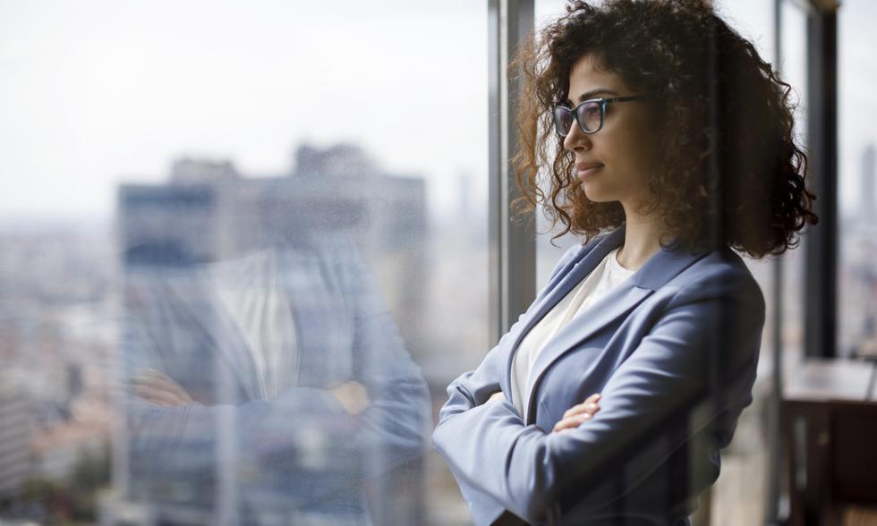 Puede sonar como Oprah, pero desarrollar un hábito de gratitud está psicológicamente probado que reducirá el estrés y te mantendrá positivo. Cuando tienes un punto de vista positivo eres más feliz y productivo. (Foto: iStock)