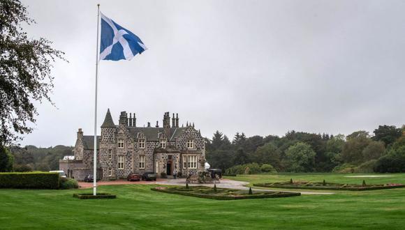 La inversión en el noreste de Escocia ha generado controversia a lo largo de los años, en la medida que Trump ha tenido algunos desencuentros con ambientalistas, residentes y el Gobierno escocés.