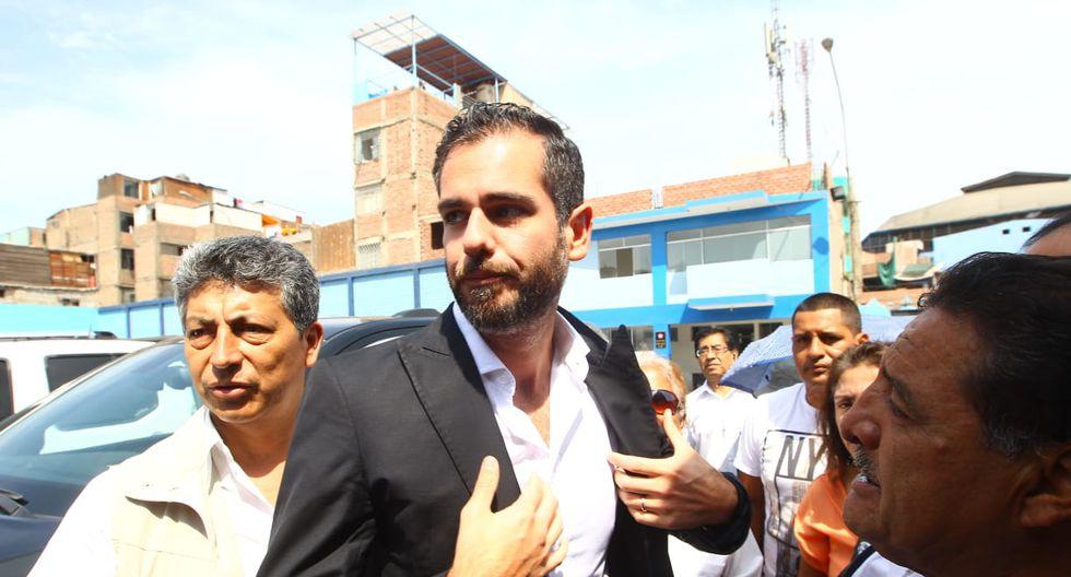 Familiares de Alan García volvieron a la Casa del Pueblo para seguir con el velatorio del ex mandatario. (Foto: Miguel Bellido / GEC)